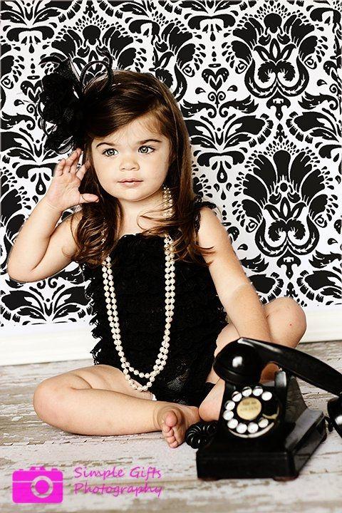 Cute idea for a little girl photo shoot!