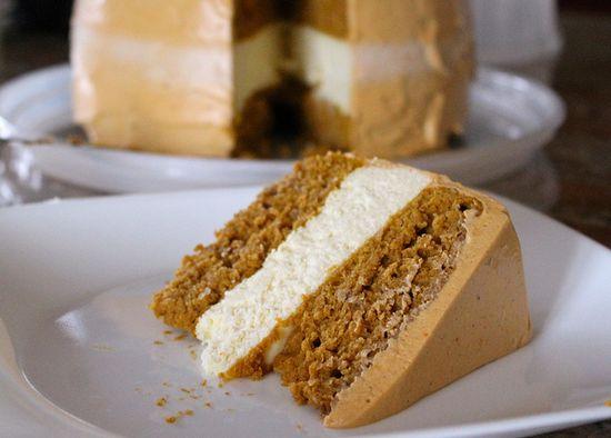 Pumpkin Spice Cake Cheesecake