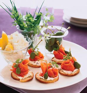 Bagel Chips with Smoked Salmon, Capers and Lemon