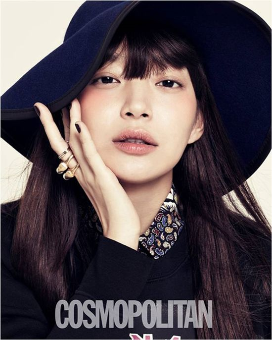 Shin Min-ah // Cosmopolitan Korea // September 2013
