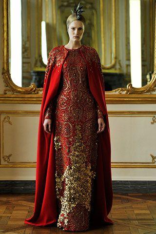 2010, Alexander McQueen...cloak