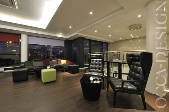 hotel interior design, hotel foyer, hb chair, holiday inn express