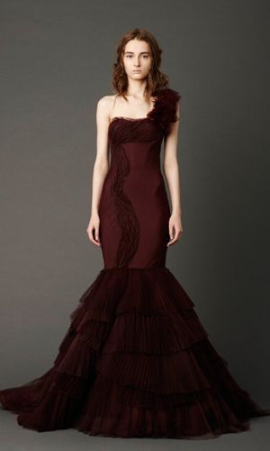 Burgundy Vera Wang wedding dress #Oxblood DEEP red #Oxblood #Wine Colour Weddings #burgundy #plum