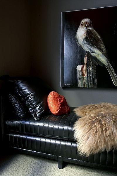 ? Masculine interior design dark wall home deco