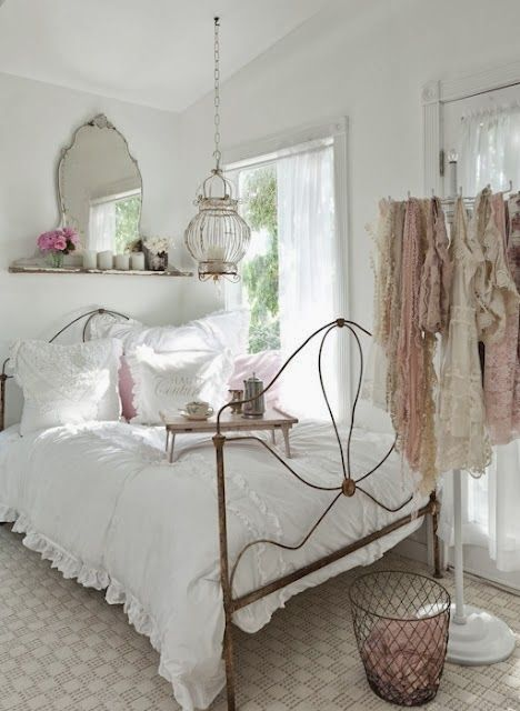 15 Shabby Chic Bedroom Decor Ideas