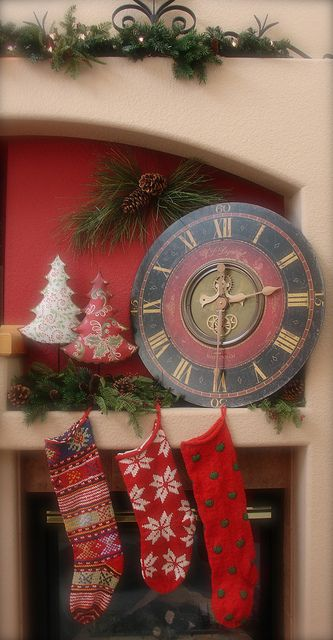 Christmas mantel.../