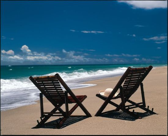 A spa is good... but we think a spa on a beautiful beach is even better. Don't you agree? [Jupiter Beach Resort and Spa]