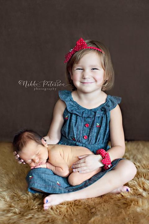Newborn sibling photography nikkipetersonphot...