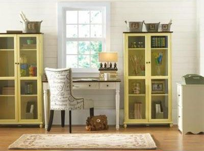 Wrap your home office workspace with enclosed bookcases for a completely new look with plenty of storage.
