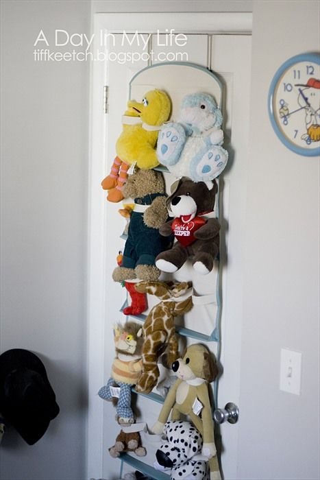 A Day In My Life: Organizing Stuffed Animals
