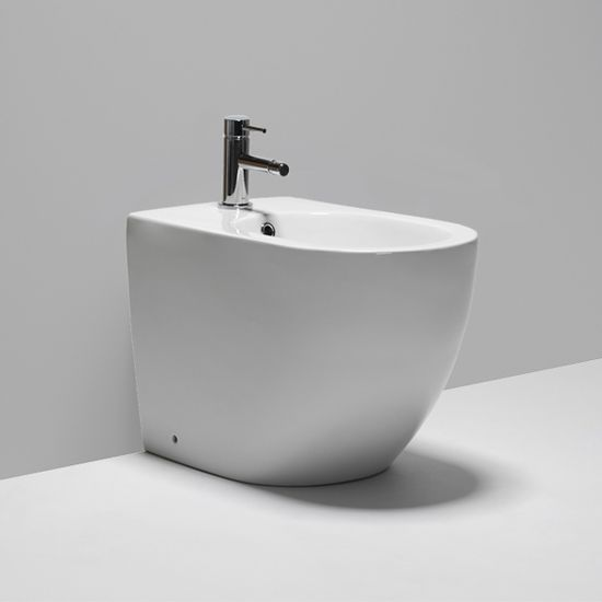 halo LB9010 single hole floor-mount bidet. #modern #bathroom #interior #design #blubathworks