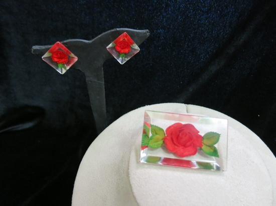 Vintage Reversed 1940s 1950s Carved Lucite Red Brooch And Earring Set.