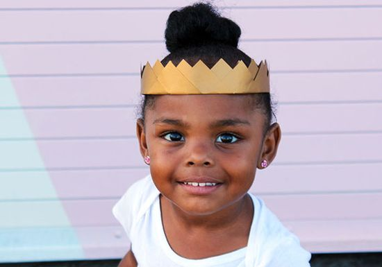 Make a golden paper crown to bling out that Halloween costume.