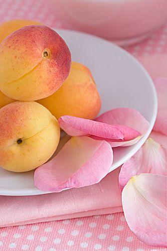 peaches & petals