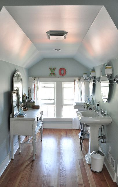 such a cute bathroom