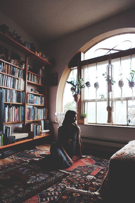 window, rugs, books.