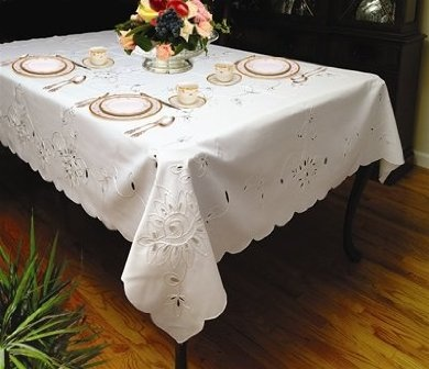 Best Holiday Table Coverings, Placemats and Runners.