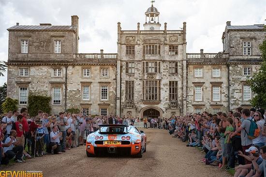 Bugatti Veyron arriving at Wilton House