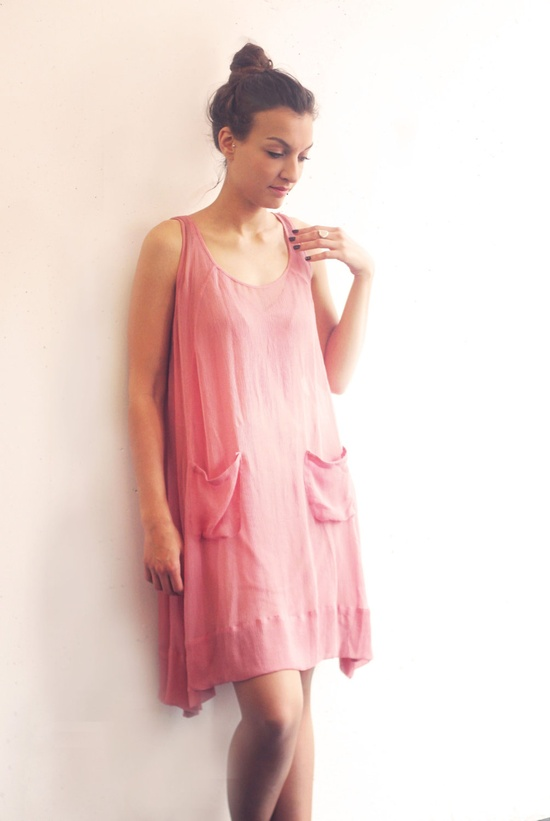 Loose silk chiffon dress. $130.00, via Etsy    in a different color