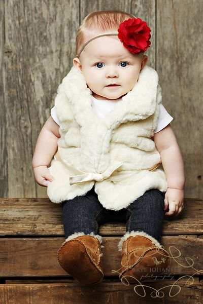 Skye Johansen is an amazing photographer and this little girl is adorable!