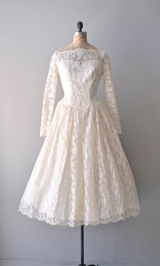 vintage 1950s Water Lily lace dress    #vintagewedding #vintagedress #1950s #partydress #dress #vintage #retro #elegant #petticoat #romantic #classic #feminine #fashion #lace #bridal #wedding