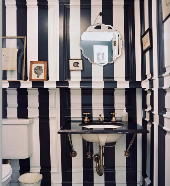 The Enchanted Home: black bathrooms