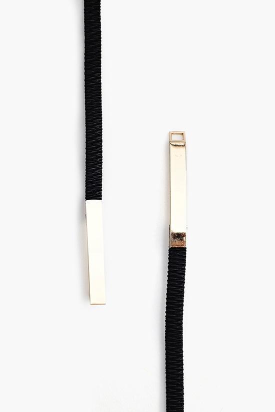 Shield Skinny Belt in Black