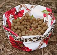 Travel Doggie Dish pattern from Simplicity Creative Group