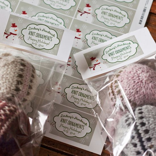 Knitted Christmas Bobbles #diy #handmade #gift #holiday #ornament #labels