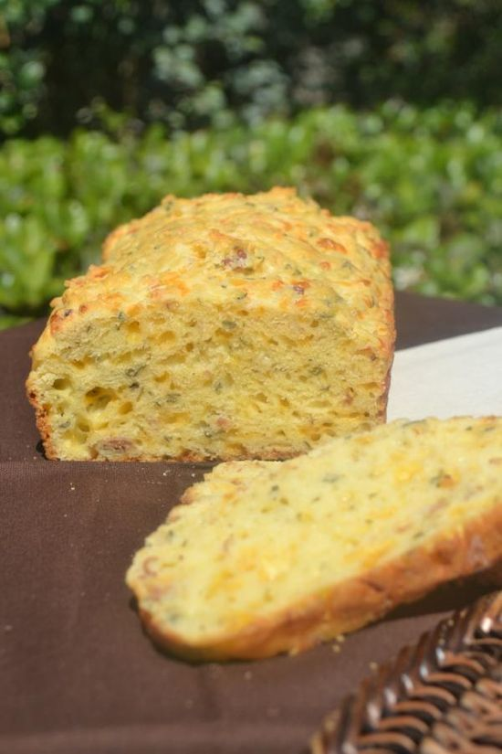 Portuguese Savory Cheese Loaf Bread is gorgeous #SundaySupper @Primlani Kitchen