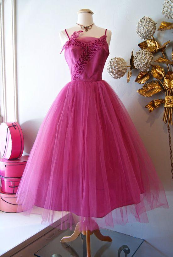 ~Vintage 1950s Pristine Lilac Wine Party Dress~