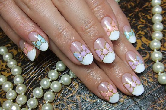 Painted pastel bows. Nail Art Manicure.