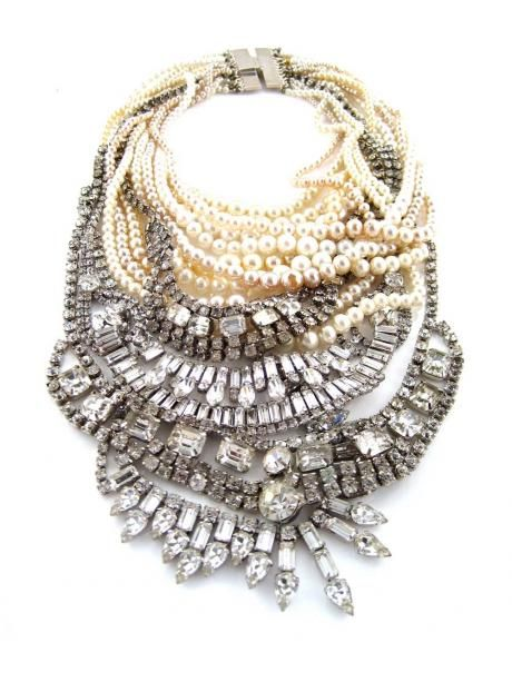now that's a statement necklace