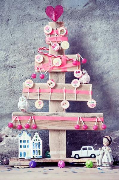 Sloophouten kerstboom #pallethout #kerstboom #kinderkamer