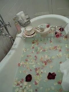 Shabby Chic Ireland: Romantic Shabby Chic - bathrooms