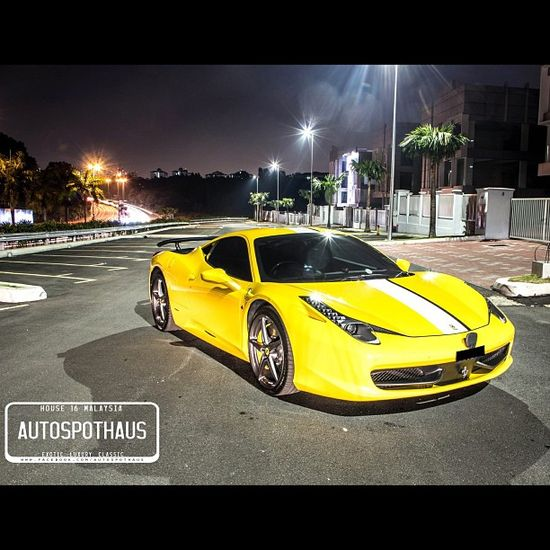 The YellowFerrari 458 Italia is stunning