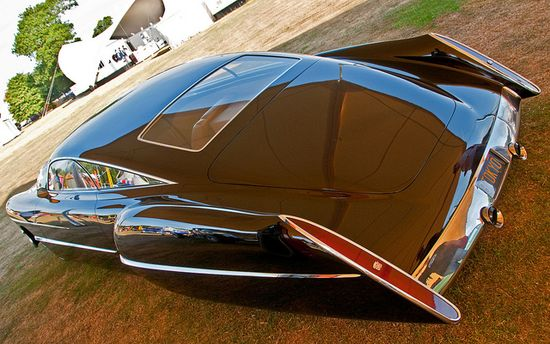 Cadzzilla: a custom hot rod built by coachbuilder Boyd Coddington and designed by Larry Ericson. The base car is a 1948 Cadillac Series 62 Sedanette, customized for Billy Gibbons of ZZ Top.