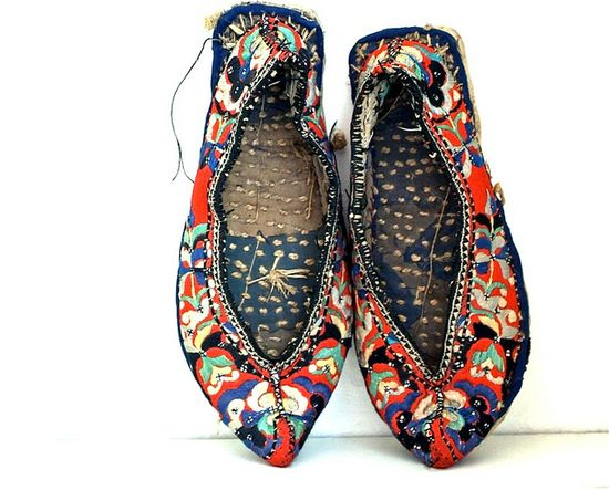 antique chinese shoes