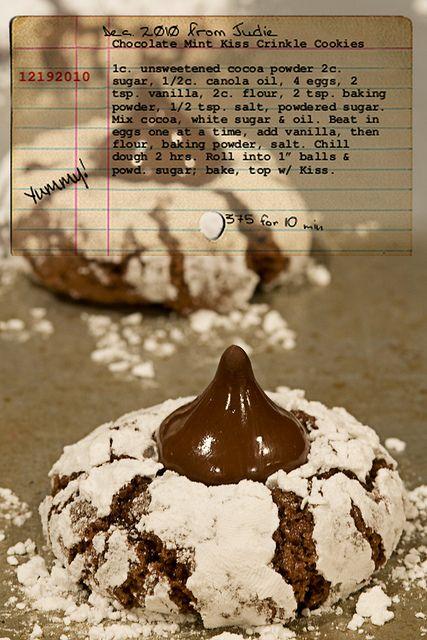 Chocolate crinkle kiss cookie!