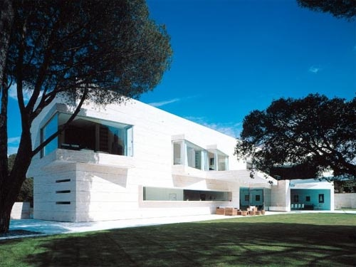 The Luxury house design in Pozuelo de Alarcón, Madrid was deigned by A-cero Architects