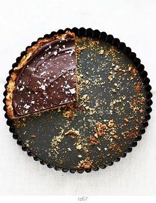 chocolate & pretzels tart