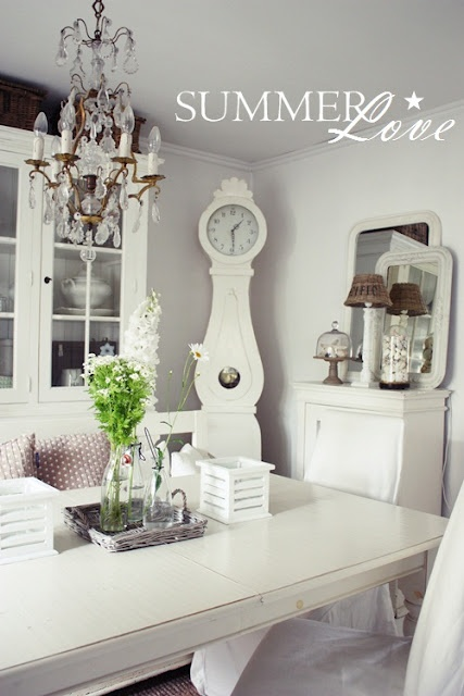 shabby chic rustic French country decor idea