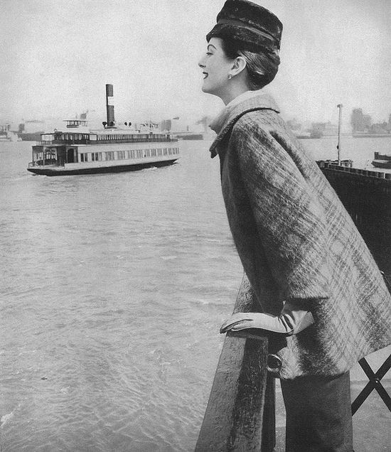 Looking wonderfully shipshape for a day spent at the waterfront, 1956. #vintage #fashion #1950s #boat