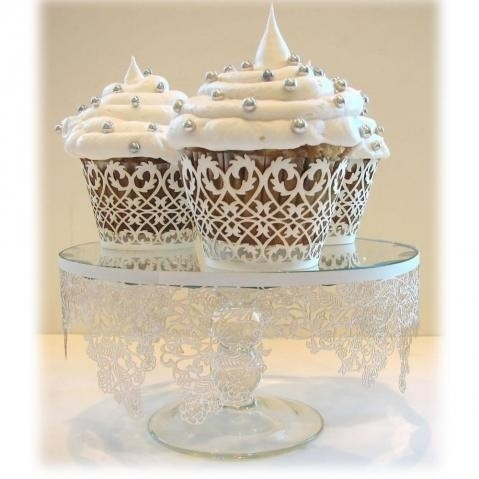 Love the laser cut wrappers, the whiter than white cupcakes...Maybe this is wedding cupcake heaven... the-cupcake-queen food-and-recipies