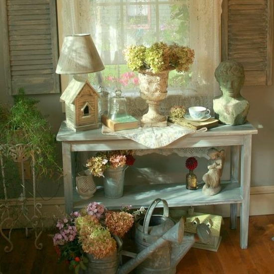 Shabby Chic Decorating Ideas Inspired by Beautiful Flowers and Gardens Decorations in Vintage Style