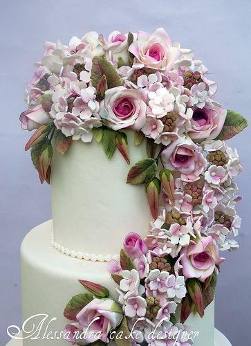 Wedding cake roses and hydrangeas