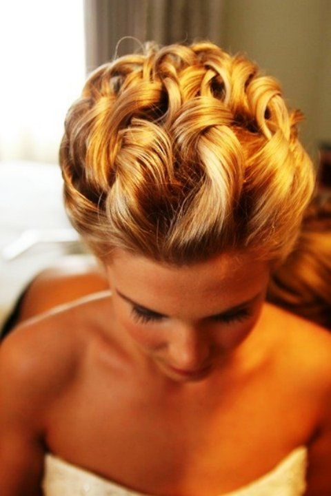 Trendy bridal hair style idea  #wedding #hair