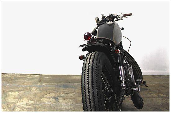 1984 Yamaha SR400 -
