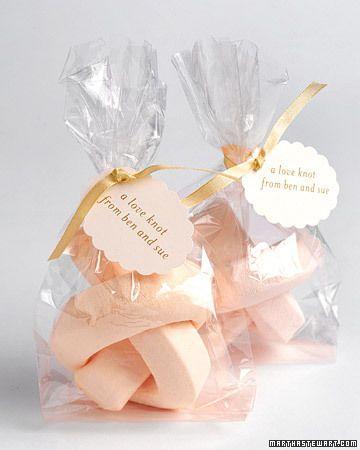 Marshmellow wedding favors