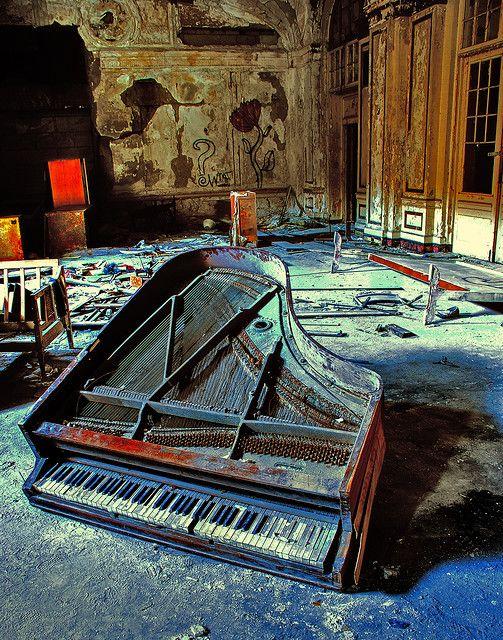 abandoned piano. #ruins